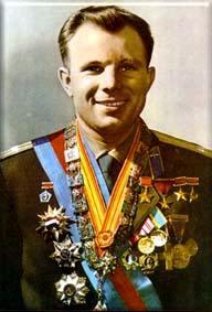 Jurij Gagarin s udelenými vyznamenaniami