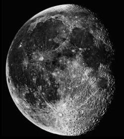 Mesiac krátko po splne